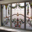 Идеи оформления помещений витражными окнами